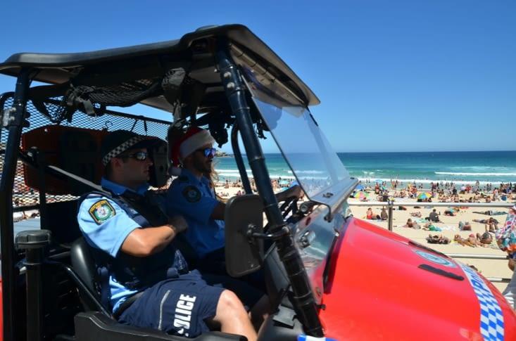 Même le policier porte un bonnet !