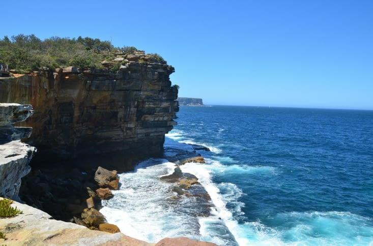 Les falaises côté mer de Tasman