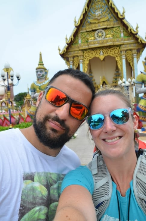 Devant un des temples flottant à Koh Samui