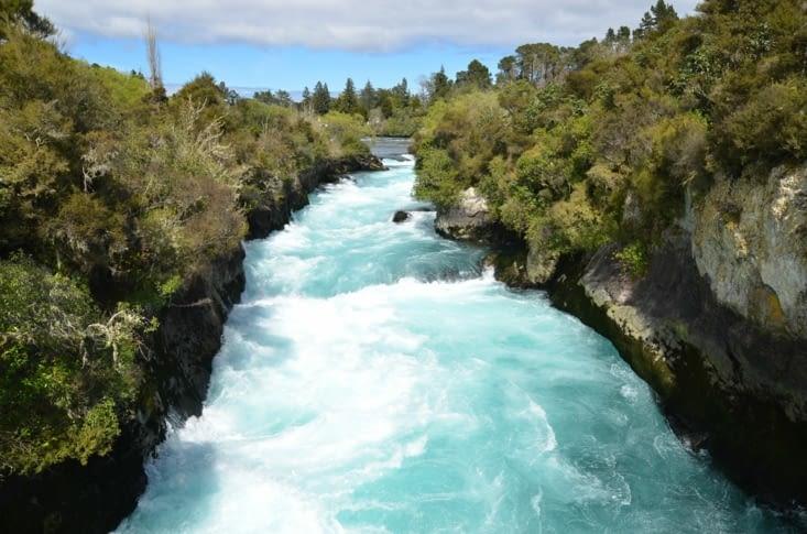 Le torrent avant la chute des Huka Falls