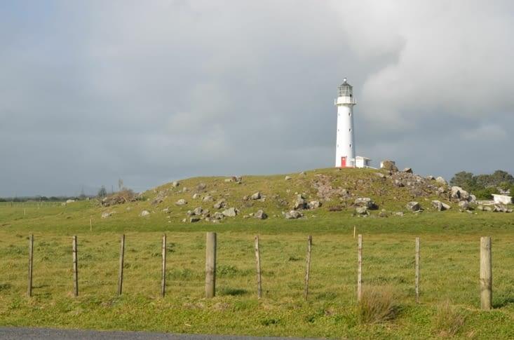 Le phare du Cap Edgemont avec le Mont Taranaki derrière (en fait on ne le voit pas...)