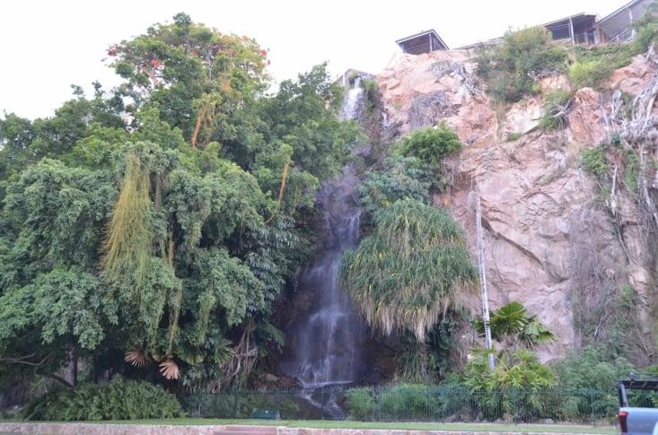 Cascade en plein cœur de Townsville