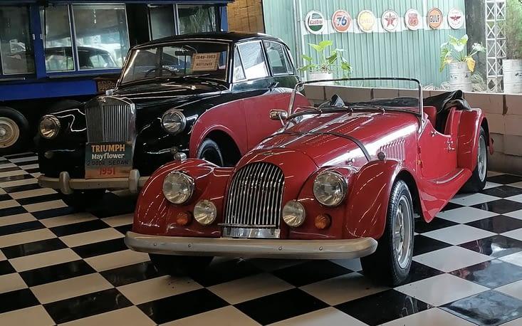 """Hauwke nous fait profiter du musée """"voitures de collection"""" d'un ami (voir dans """"insolite"""""""