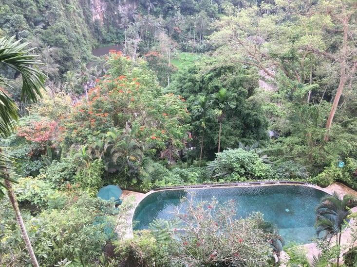 Villa …. Royale …. Avec vue sur la falaise et rivière !