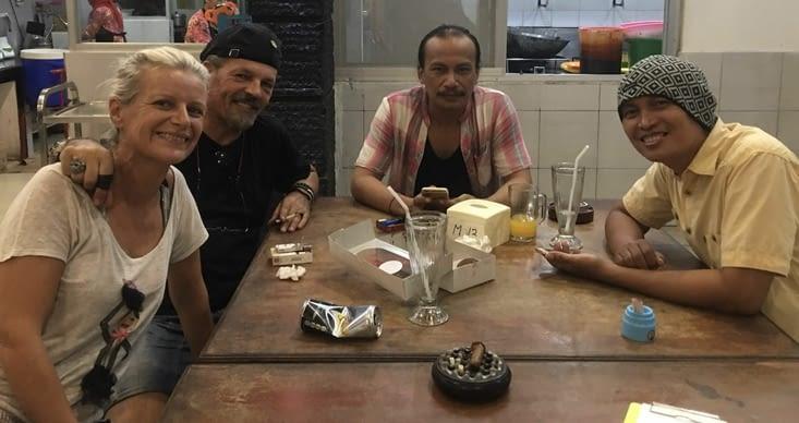 Boycke et Rully ... les musiciens du restaurant Dandito à Balikpapan en Indonesie