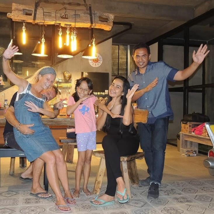 Diaz et toute sa petite famille à Surabaya (Java)