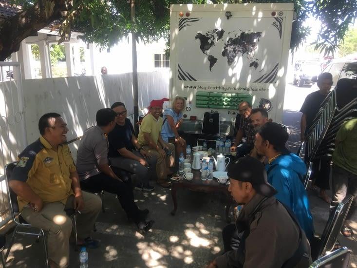 Toute la communauté Land Rover de Makassar à Sulawesi (Indonésie)