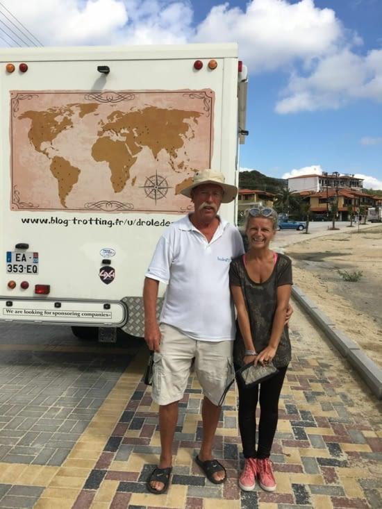 Un hongrois (Akos), retraité qui fait le tour de l'Europe en camping car ..... seul !