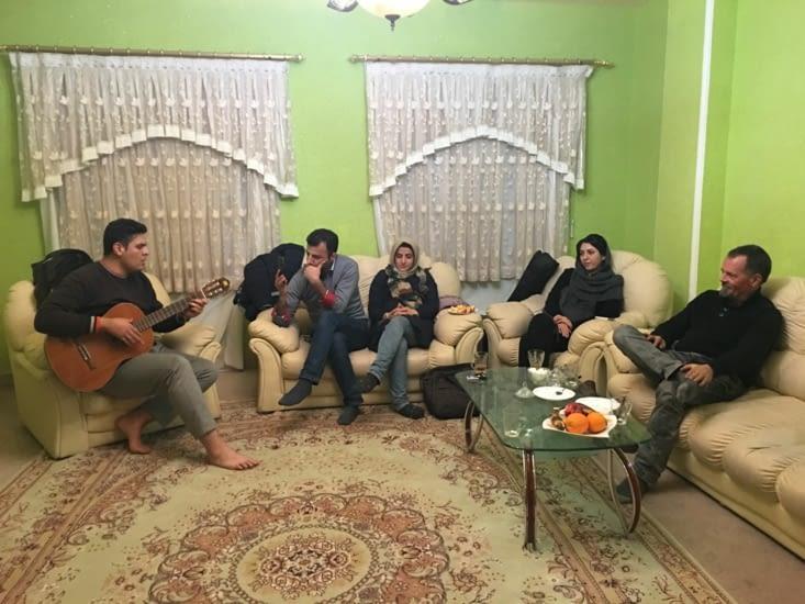 """Mahmoud et sa femme Zohre + Meddhi et son epouse : Des """"tronches"""" !!"""