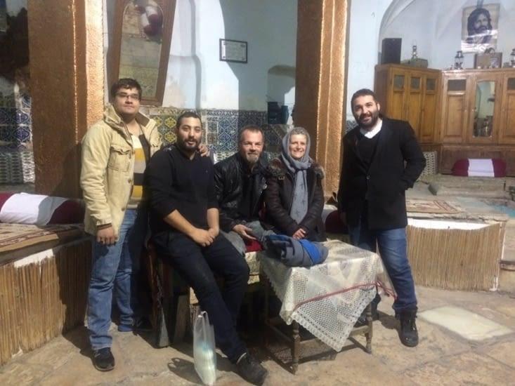 Moha, Resa et Fettah au Resto dans Kashan : fou rire en perspective !