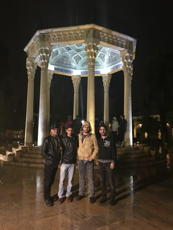 3 jeunes Iranien apprentis guides spécialement pour nous !