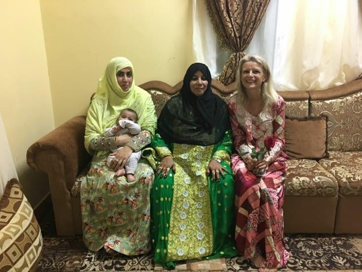 La maman et sœur de Saeed en tenue spécial mariage