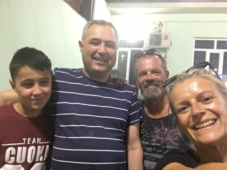 """Samad et son fils au resto (voir details dans """"Ouzbékistan"""")"""