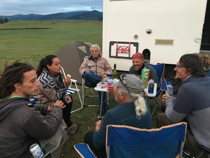 """Ivan, Ana, Jasper et Laurette (voir bivouac dans """"Mongolie"""")"""