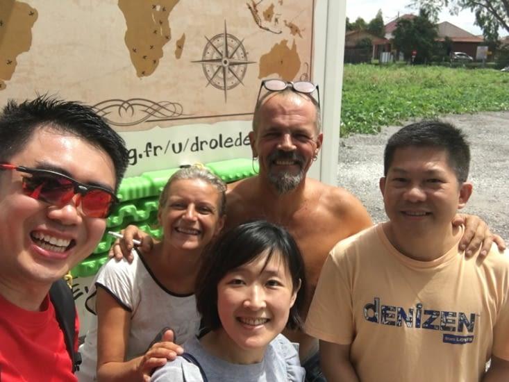 Un couple Chinois - Malais qui a déjà fait l'Australie en Camper
