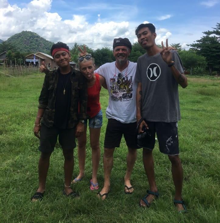 """Nos deux jeunes """"influenceurs"""" lors du doc en Indonésie (Adil et Aqil)"""