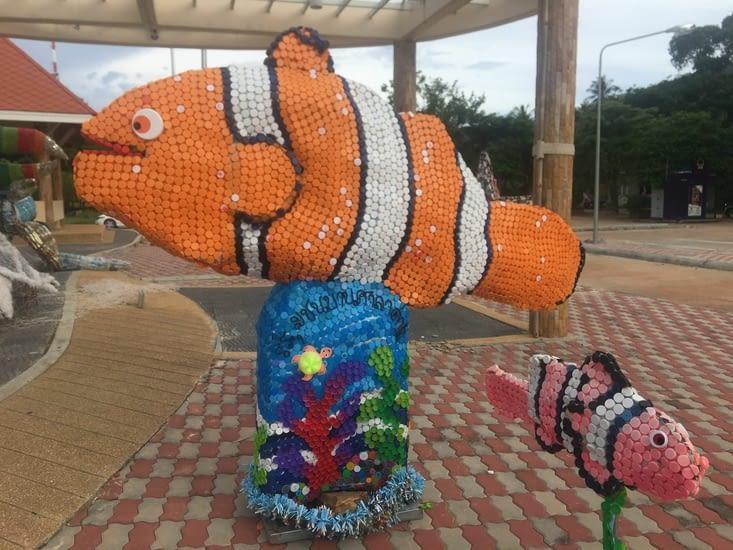 De l'Art avec des produits recyclés sur l'île de Kho Lanta