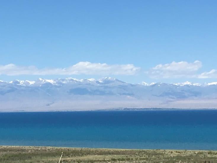 Le lac de Issyk-Kol au Kirghizistan