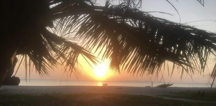 Les couchers de soleil ... du monde entier ...