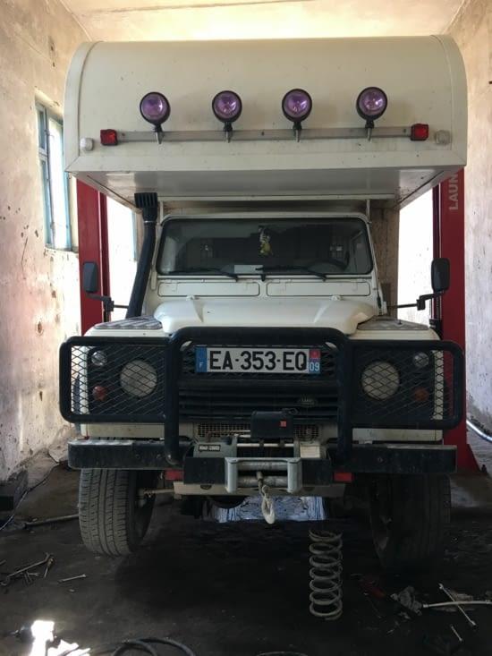 Nous avons cassé nos suspensions à air en Mongolie à cause des routes défectueuses: 18€ !