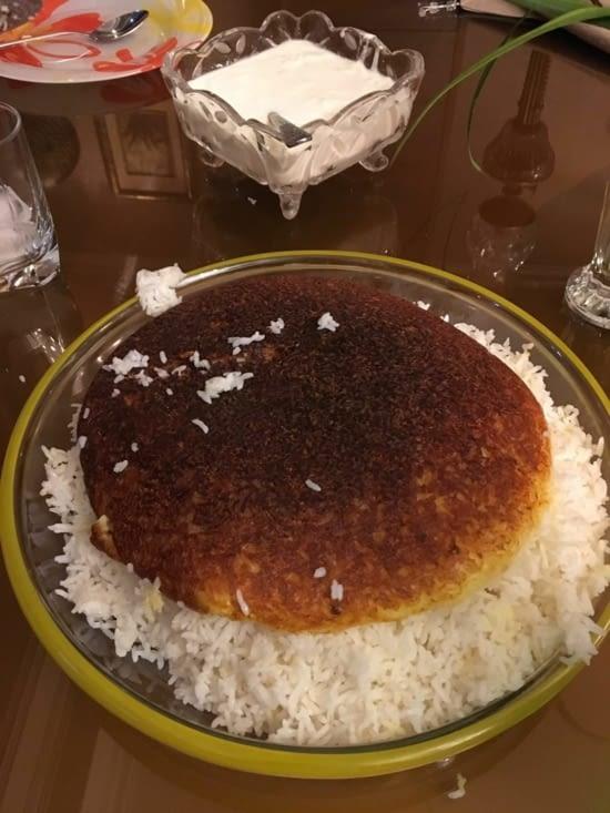 """Le riz cuisine en Iran : pas de beurre = La croûte du fond """"délicieux"""""""