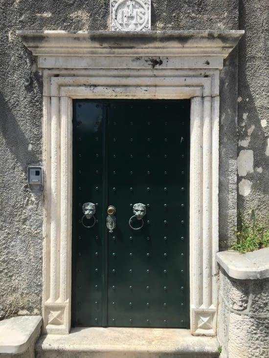 """On fait du """"porte à porte"""" afin d'établir des contacts avec les croates mais """"dur - dur"""" !!"""