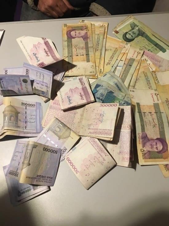 Iran : 500€ = 22500000 Rials soit 83 billets !!!!