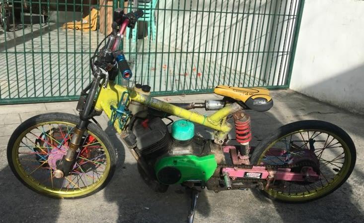 Le Mac Gyver Philippin... moto et vélo mixés !