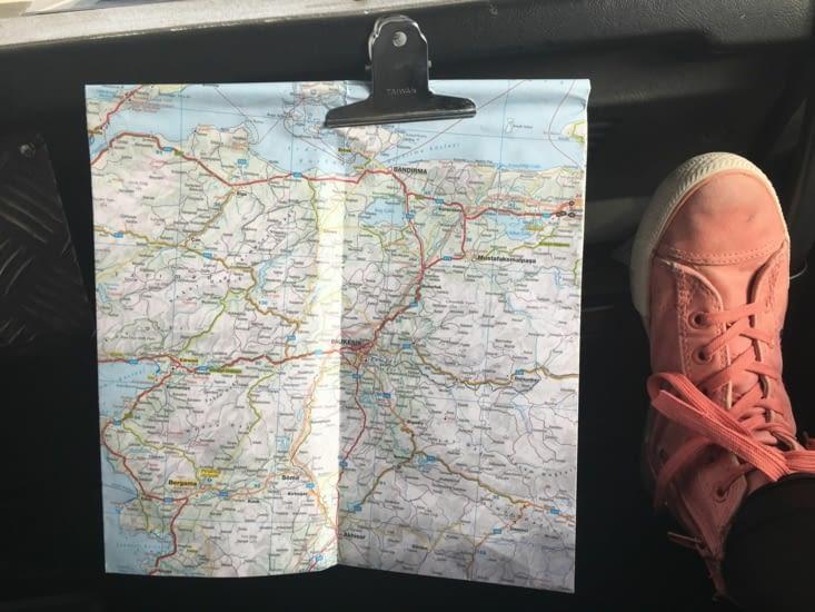 Pas de GPS .... qu'à la carte avec Eva co-pilote !!