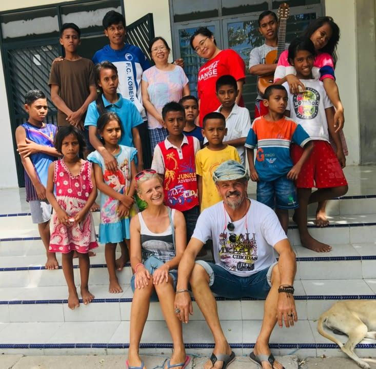 L'orphelinat géré par Jimmy, Ingrid et Gaby de Sumba