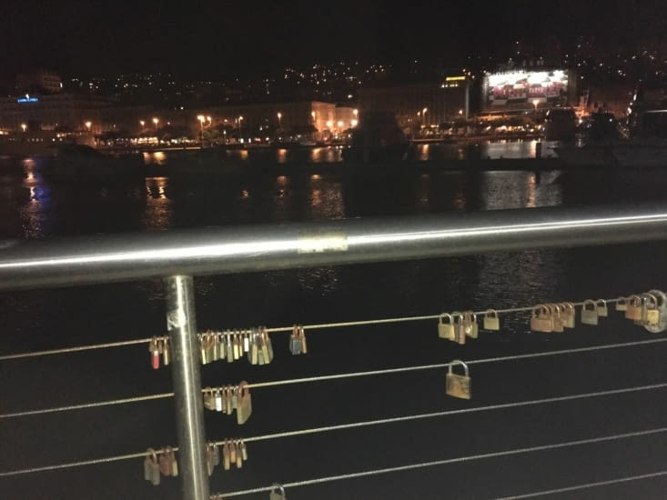 Le pont des amoureux .... Comme à Paris