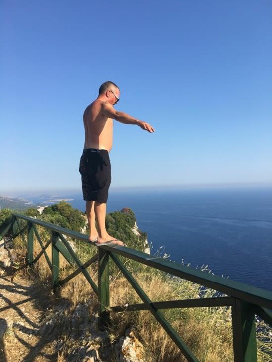 Un grand saut à la découverte des falaises de Veli Rat (pas l'animal ...)