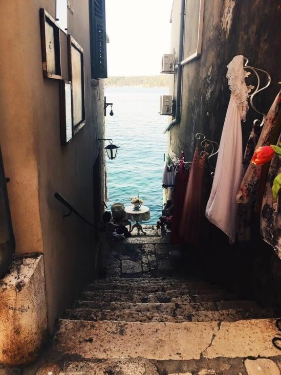 Vue sur la mer... (vendu en boutique tous les jours .... en carte postale !)