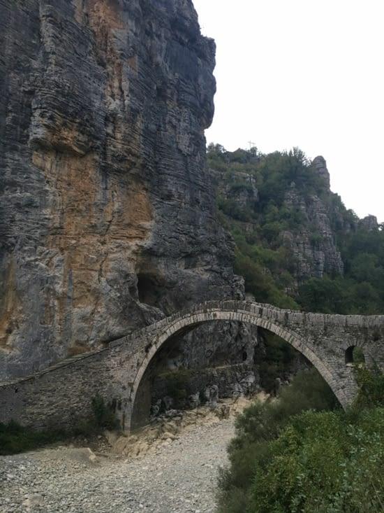 Pont typique des gorges de Vikos