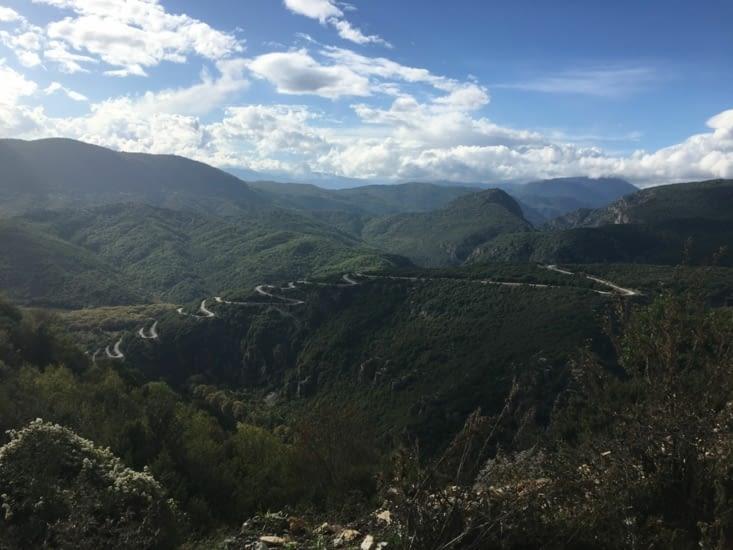 Un exemple de route que nous avons du prendre durant toute la decouverte du parc de Zagoria. Inutile de dire que mes bras s'en souviennent