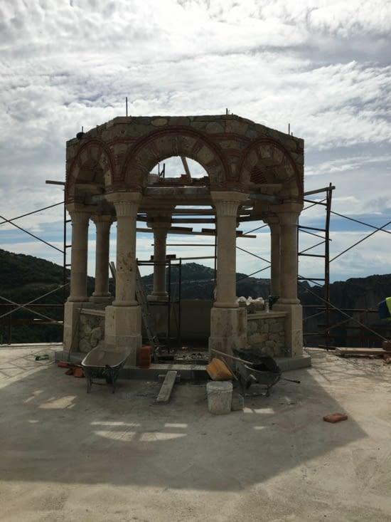 Restauration d'un point strategique du monastere le plus haut ...