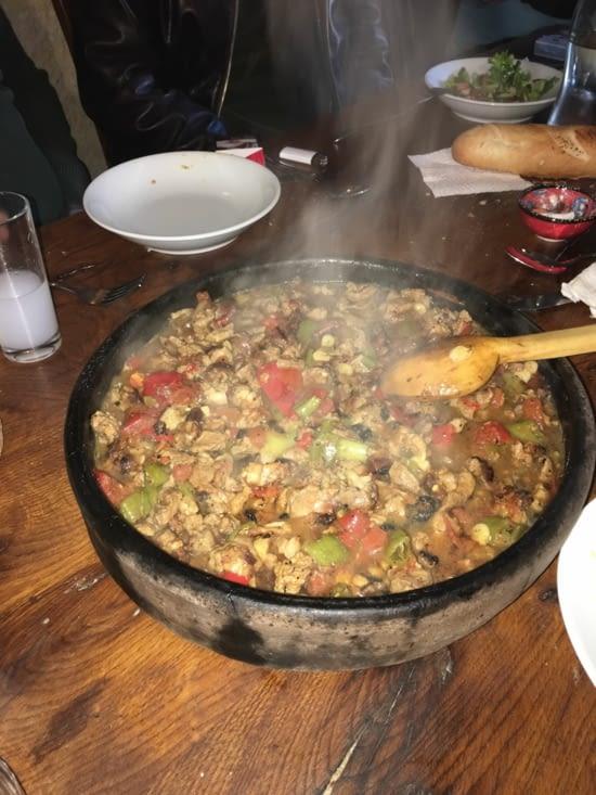 Un plat typique Turc à base d'agneau et de légumes : Kiremit Tava