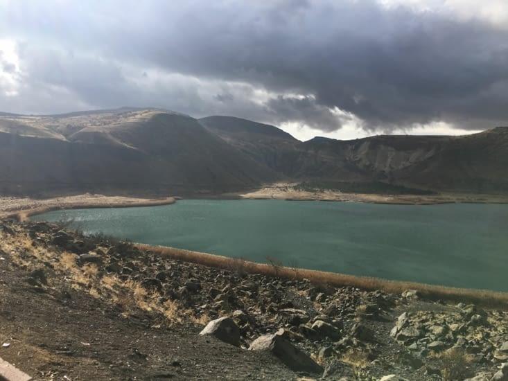 Le Cratere du Nar Lake ...