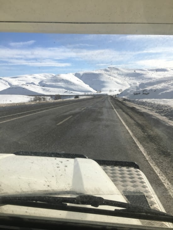 Route d'Ersigan - Erzurum .... 2 m de neige !
