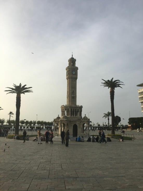 La ville d'Izmir le 8 novembre .... 25 degré !!