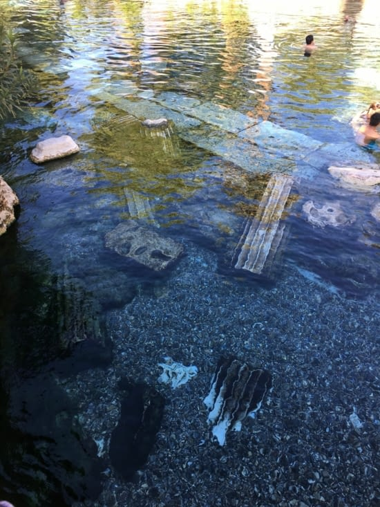 Une piscine d'eau chaude ... 37 degré !!