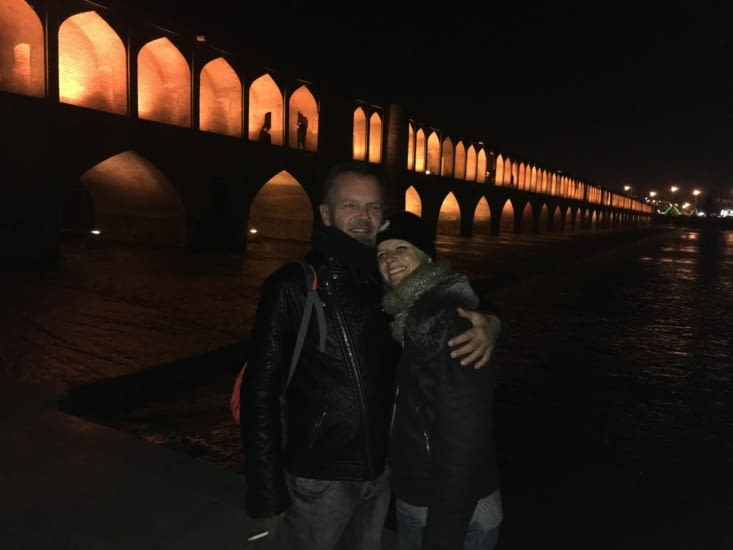 Le Si-O-Seh Pol Bridge ..... La nuit