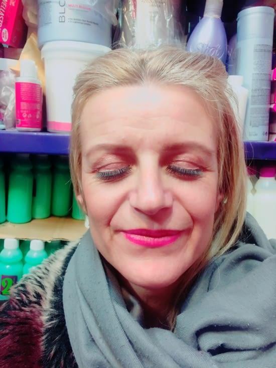 Résultat : maquillage et faux cils en cadeau !!!