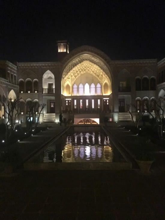 La villa Ameri spécialement dédiée à une femme (3600 m2 !!!)