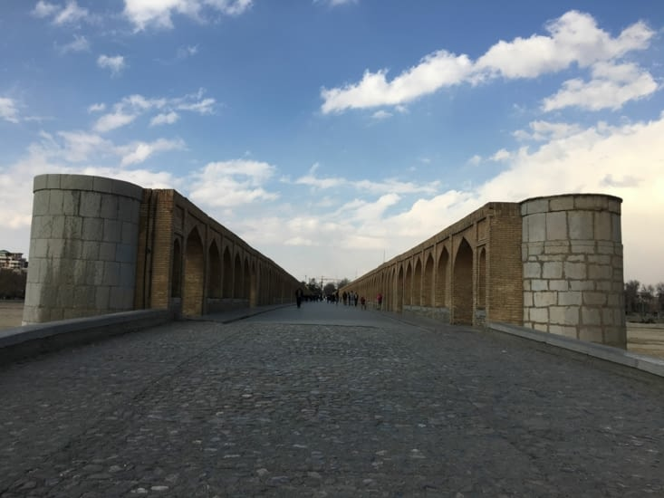 Le Si-o-seh pol Bridge de Esfahan en 1599 (centre de l'Iran)