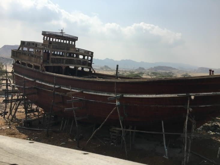Restauration de vieux bateaux toujours sur l'île