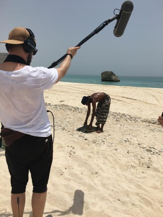 Une tortue morte et échouée sur la plage ! Pourquoi ?