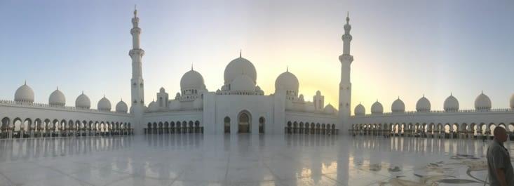 La grande Mosquée ... magnifique de pureté !