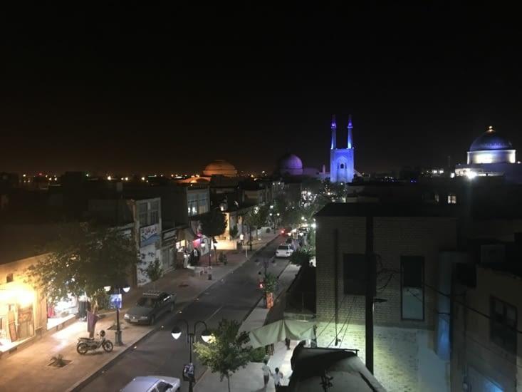 La mosquée du vendredi éclairée de Yasd