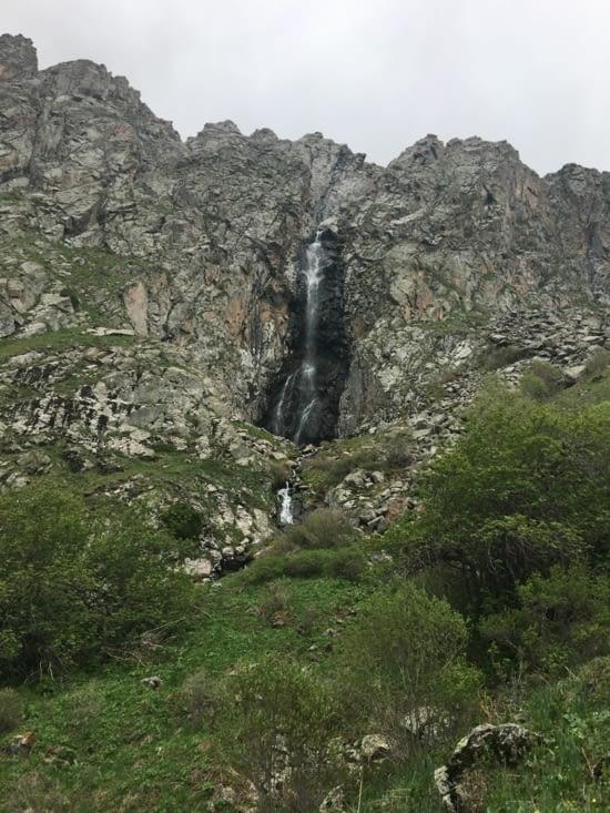 Pour découvrir une cascade à 2600 m d'altitude !